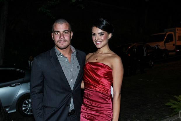 Thiago Martins e Paloma Bernardi (Foto: Marcello Sá Barretto/ AgNews)