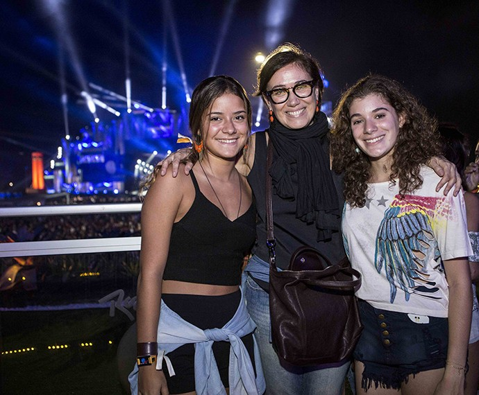 Lilia Cabral com a filha Giulia e a amiga (Foto: Inácio Moraes/Gshow)