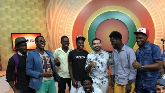 'Na beira da fama': Conheça a banda formada apenas por haitianos