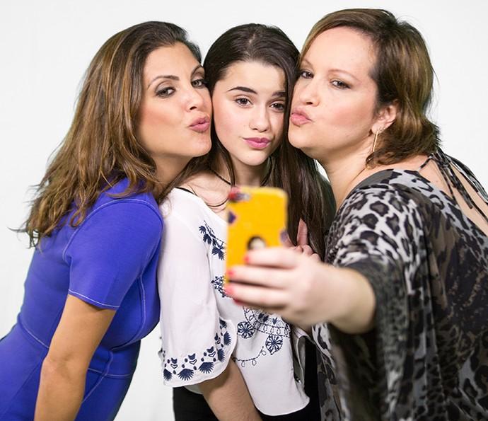 Letícia Pedro fez papel de fã com cecê na quarto episódio (Foto: Fabiano Battaglin/Gshow)
