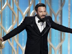 Ben Affleck vibra ao ganhar o prêmio de melhor diretor por 'Argo' no Globo de Ouro 2013 (Foto: Paul Drinkwater/NBC)