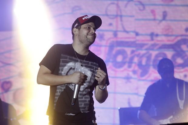 Jorge em show na Festa do Peão de Barretos, em São Paulo (Foto: Celso Tavares/ EGO)