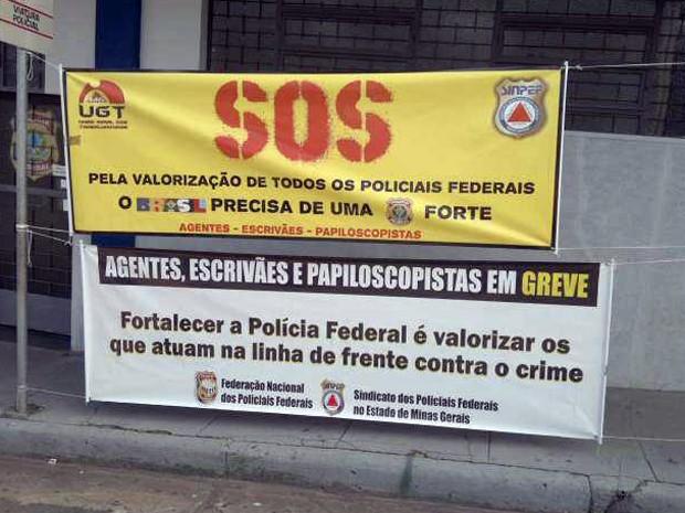 Greve Polícia Federal (PF) em Divinópolis (Foto: Valquíria Souza / G1)