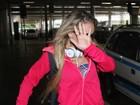 Após mostrar demais em Paris, Miss Bumbum SC esconde o rosto