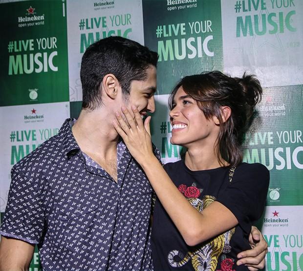 Gabriel Leone e Carla Salle (Foto: AgNews)