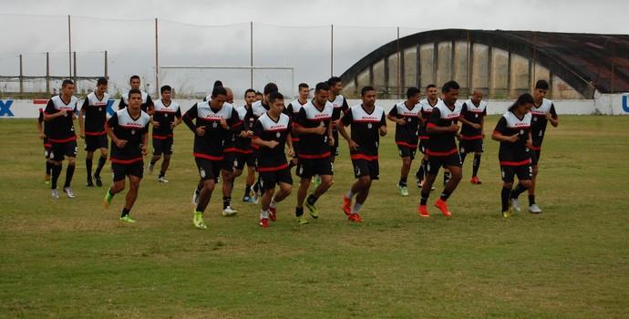 Treino do Campinense no Renatão (Foto: Silas Batista / GloboEsporte.com)