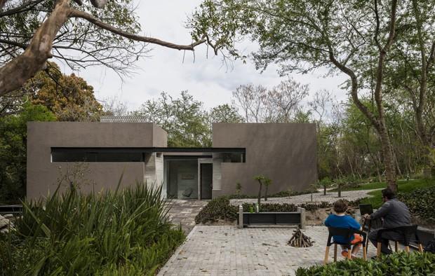 Casa de campo de concreto, no México (Foto: Luis Gordoa / divulgação)