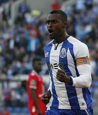 Jackson Martínez comemora, Porto x Gil Vicente (Foto: Agência Reuters)