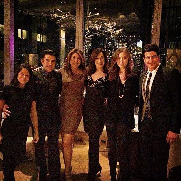 Sophia, Jarbas Homem de Mello, Claudia Raia e Enzo Celulari com amigos em Nova York, nos Estados Unidos (Foto: Instagram/ Reprodução)