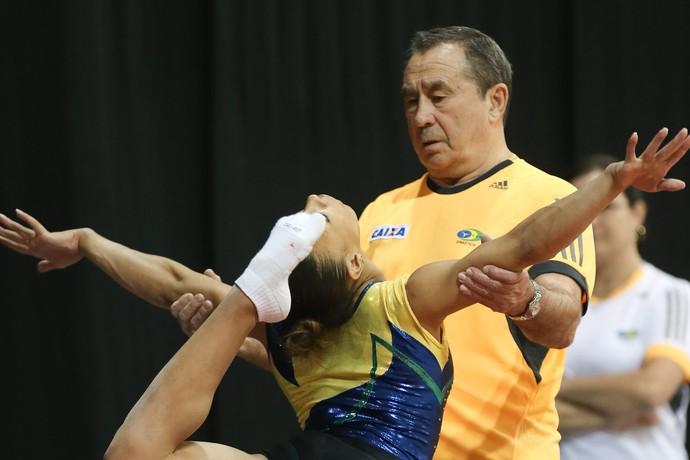 Oleg Ostapenko foi responsável pelo crescimento de Lorrane dos Santos (Foto: Ricardo Bufolin/CBG)