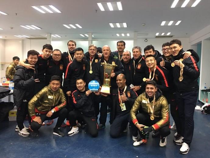 Scolari Felipão campeão da Copa da China Guangzhou  (Foto: Divulgação / Arquivo pessoal)