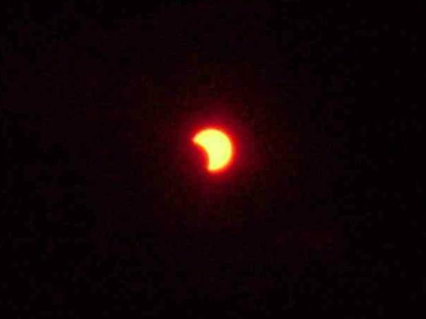Eclipse do sol em Fortaleza  (Foto: Rapahel Saunders/VC no G1)