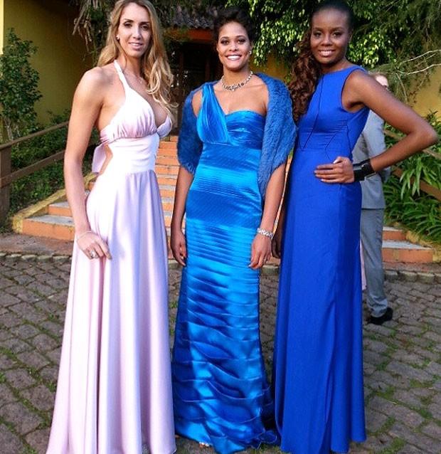 Adenizia jogadoras festa casamento vôlei (Foto: Reprodução / Instagram)