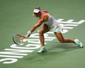 Sólida, Kerber se impõe sobre Halep e vence mais uma partida no WTA Finals