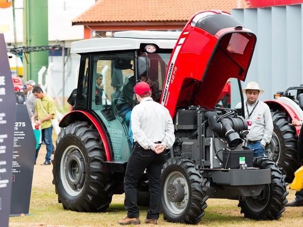 Fabricantes aproveitam a Agrishow em Ribeirão Preto, SP, para lançar novidades para o agronegócio (Foto: Érico Andrade/G1)