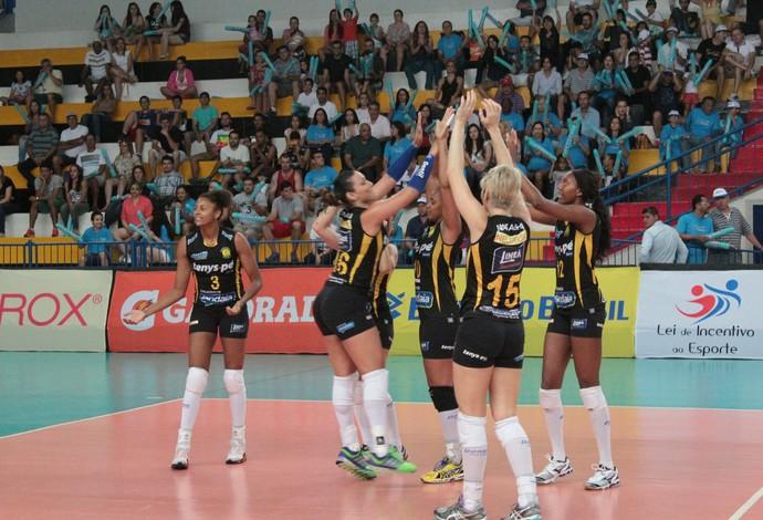 Praia Clube x Maranhão - Superliga Feminina 2014 (Foto: Assessoria/Praia Clube)