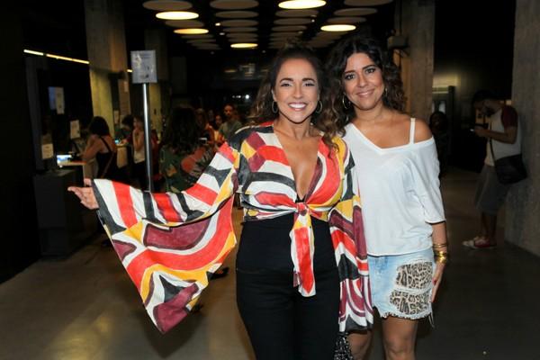 Daniela Mercury usa decote em evento com a mulher, Malu Verçosa