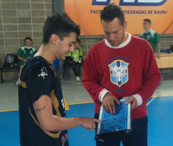 Bauru Futsal, ala Fabinho, técnico Elton Carvalho (Foto: Rafael Peloso / A.A. FIB)