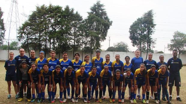 Equipe sub-15 do futebol feminino do São José (Foto  Danilo Sardinha  87541be4b437b