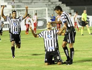 Treze 2 x 0 Auto Esporte - comemoração de gol (Foto: Magnus Menezes / Jornal da Paraíba)