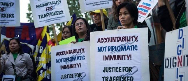 Liberdade. Manifestantes ocupam a entrada da ONU, em Nova York  (Foto: Andrew Burton / AFP)