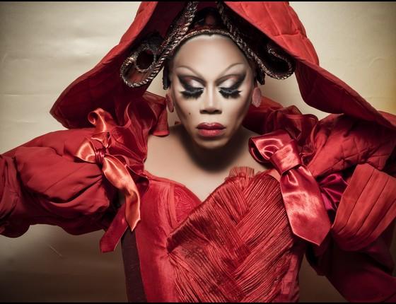 A drag e apresentadora de reality RuPaul também é uma das celebridades retratadas (Foto: Jaha Dukureh)