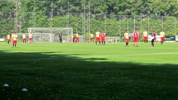 jogadores São Paulo treino (Foto: Gustavo Serbonchini)