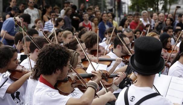 Ao longo de 2014, cerca de 200 artistas participaram do Arte na Rua (Foto: Globo)