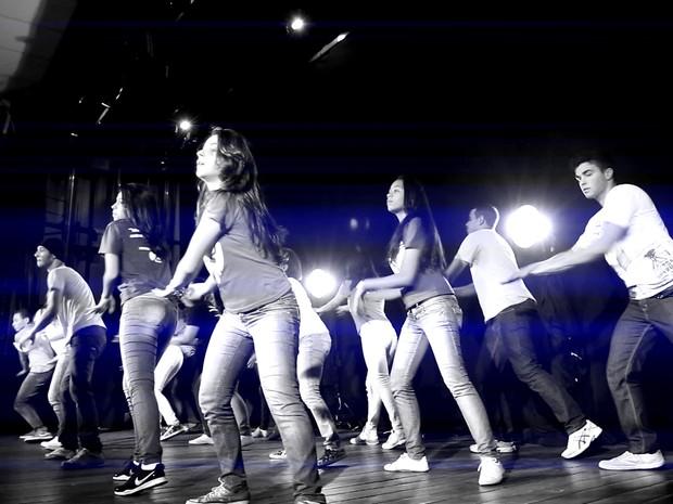 Clipe também tem imagens preto e branco, como vídeo da MC Anitta (Foto: Divulgação/ Wanderson Chan )