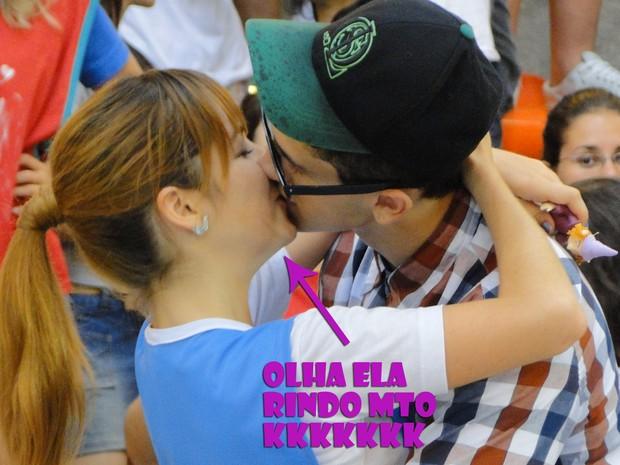 Orelha e Morgana se beijam (Foto: Malhação / TV Globo)