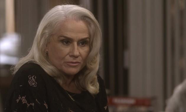 Vera Holtz é Magnólia em 'A lei do amor' (Foto: Reprodução/TV Globo)