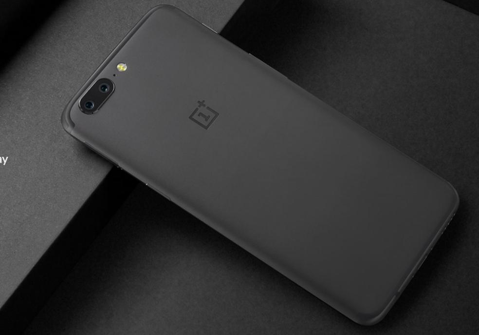 OnePlus 5 roda Android 7 e tem bateria de 3.000 mAh (Foto: Divulgação/OnePlus)