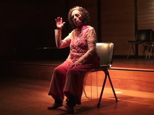 Espetáculo reconstrói o percurso das últimas décadas da carreira da bailarina Angel Vianna (Foto: Reprodução / Divulgação)
