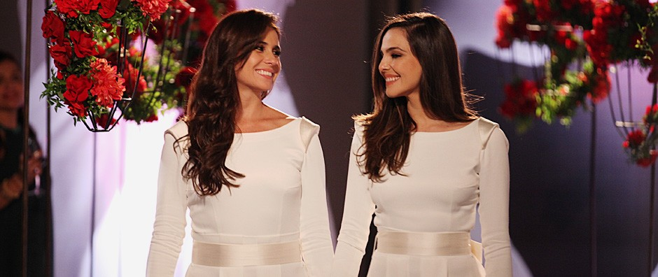 Clara e Marina se casam  e formam uma bela família (Em Família/TV Globo)