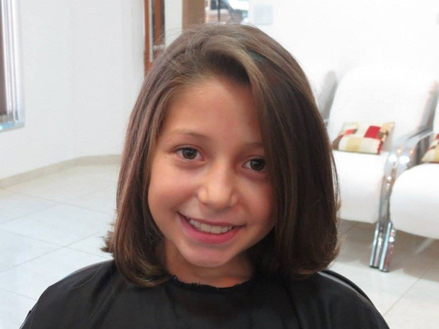 Lívia com o novo visual: cabelo será doado para hospital de Barretos (Foto: Lays Carvalho/G1)