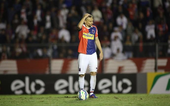 cleiton paraná clube jacuipense copa do brasil (Foto: Giuliano Gomes/PR Press)
