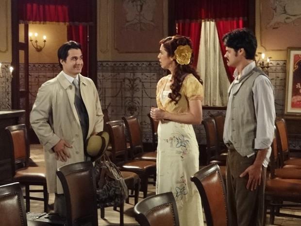 Luciano promete movimentar ainda mais os ânimos do Teatro Alheira (Foto: Lado a Lado/Tv Globo)
