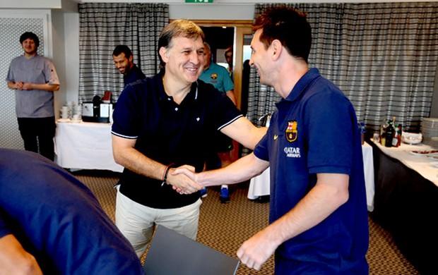 Tata Martino Messi encontro equipe Barcelona (Foto: Miguel Ruiz / Divulgação site oficial do Barcelona)