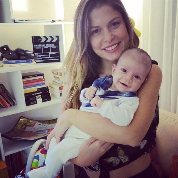 Brbara Borges e o filho Martinn (Foto: Reproduo / Instagram)