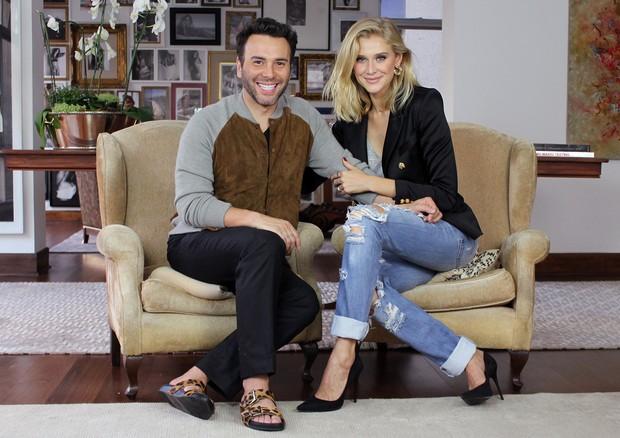 Mister V entrevista a modelo Celina Locks. (Foto: Divulgação)