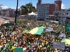 Na Bahia, grupo protesta a favor de impeachment da presidente Dilma