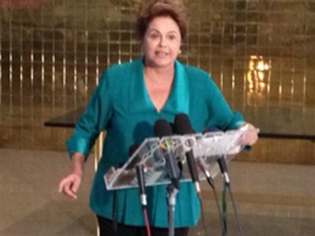 A presidente Dilma Rousseff, em em entrevista à imprensa no Palácio da Alvorada (Foto: Filipe Matoso/G1)
