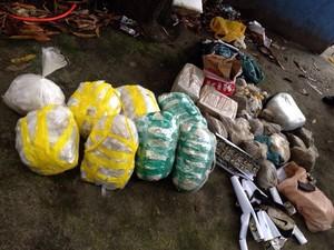 Drogas foram apreendidas pelos policiais (Foto: Divulgação/ Batalhão de Ação com Cães)