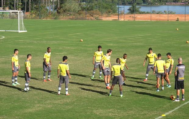 Treino Botafogo Ct Brasiliense (Foto: Fred Huber)