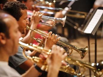 Orquestra de Frevo da Banda Sinfônica do Recife  (Foto: Divulgação / Andréa Rêgo Barros)