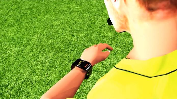 A informação para validar ou não o gol é enviada para o relógio do árbitro (Foto: Repodução/YouTube)