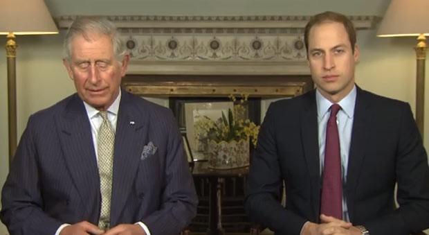 Os príncipes britânicos Charles e William (Fot Reprodução/YouTube)