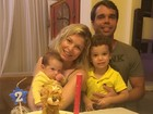 Bárbara Borges comemora dois meses do filho Theo com a família