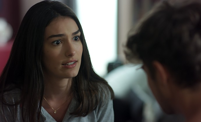 Yasmin aconselha Léo a procurar Stefany (Foto: TV Globo)