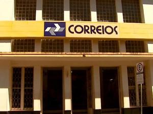 Correios confirmaram que as entregas das cartas estão atrasadas em Araraquara (Foto: Reprodução/EPTV)